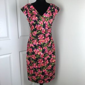 Maggy London pink floral v-neck shift dress